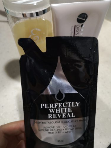 Eileen Grace Black / Rose Jelly Mask Travel Pack photo review